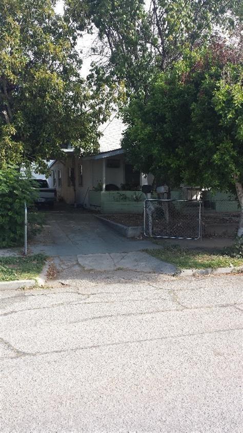 940 W 7th St San Bernardino, CA 92411