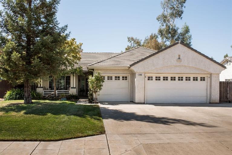 2066 Bedford Ave Clovis, CA 93611