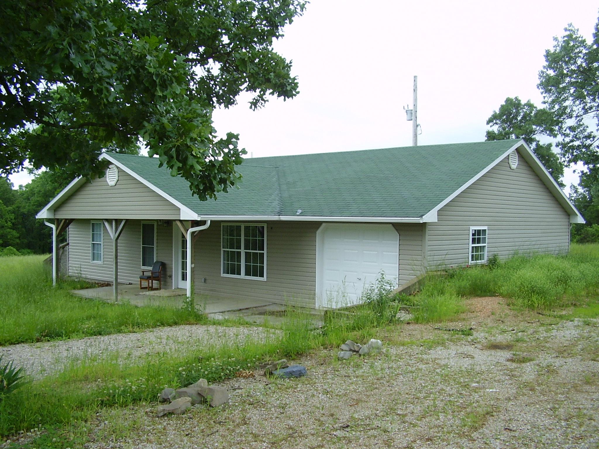52 Arapaho Macks Creek, MO 65786