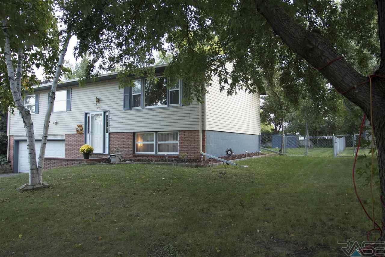 5305 W 52nd St Sioux Falls, SD 57106